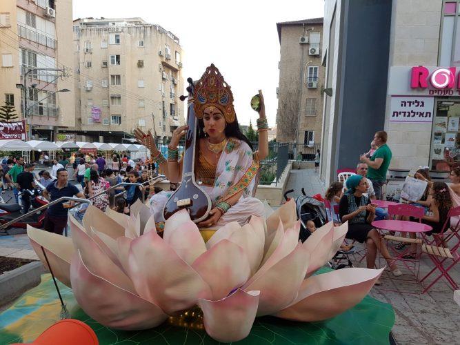 פסטיבל פסלים חיים